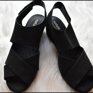 Nurture Sairyn Leather Criss Cross Velcro heel 9M